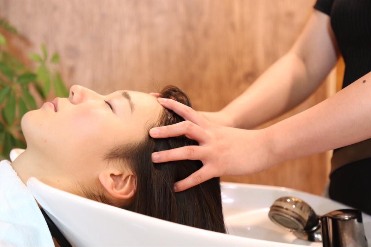 """鈴木えみもノープー実践中。美髪になる新ヘアケア方法""""ノープー""""とは 出典:早川 実里"""