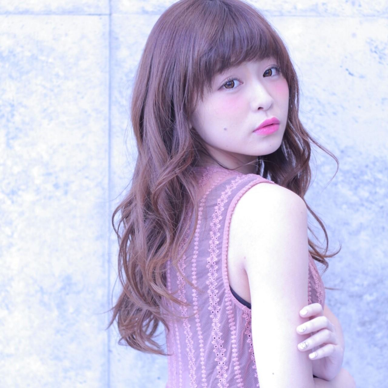 """曲線美に見惚れて。今、注目のヘアスタイルは""""うねうね""""ウェーブヘア♡ Wataru Maeda"""