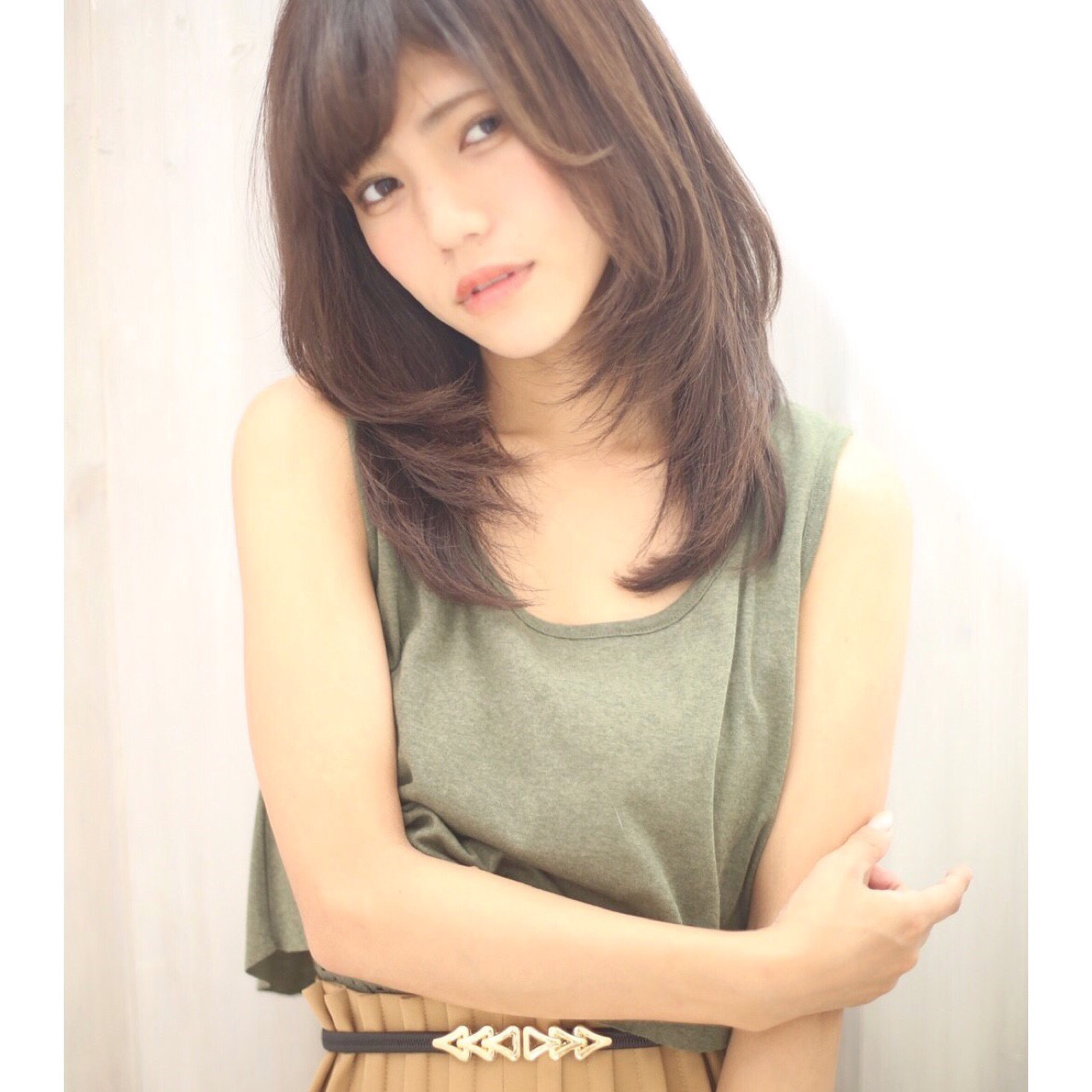 アースカラーを髪色にも。ヘアスタイルもナチュラル可愛く♡ 中村 美穂