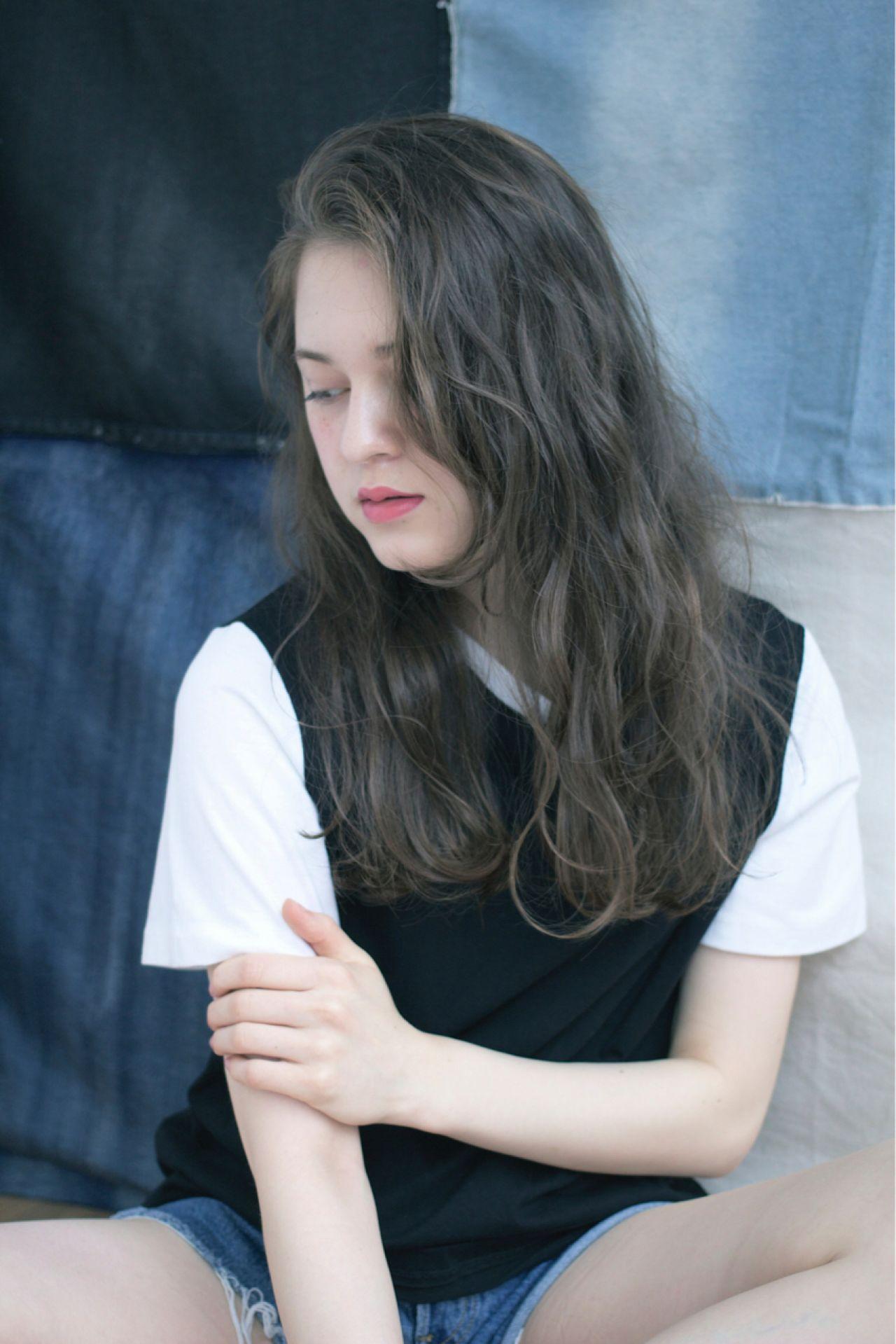 【ロング編】秋冬はこの色で決まり♡アッシュで作る暗髪が可愛すぎる 舟越 小百合
