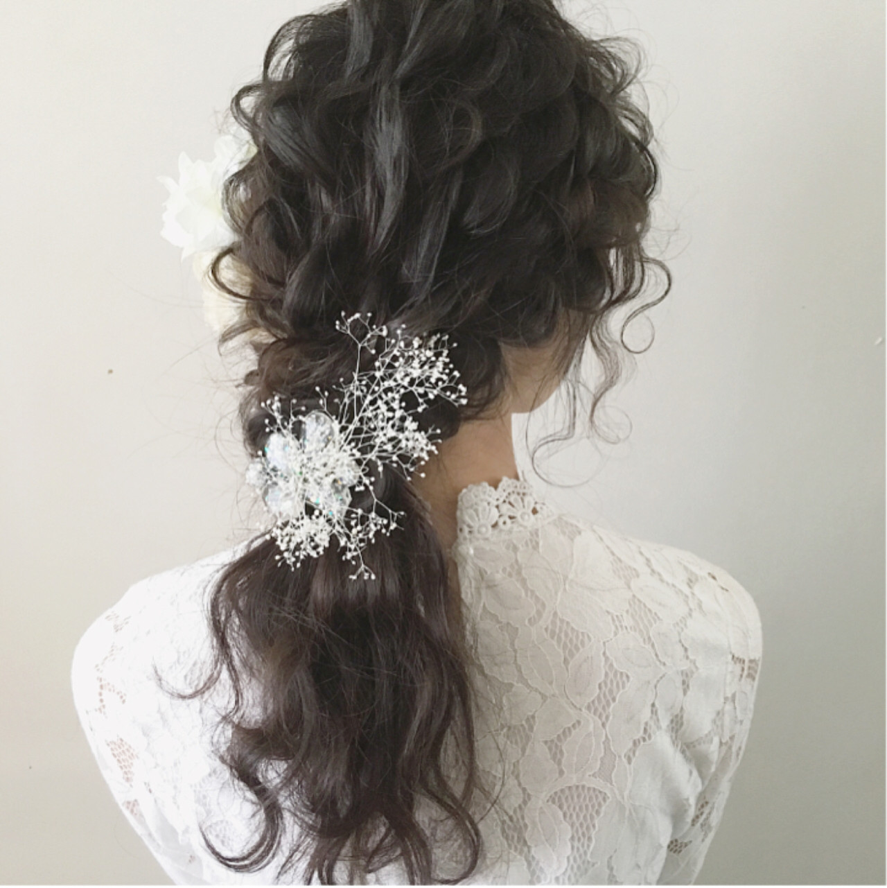 最高に華やかな花嫁さんになるために*お花で飾る結婚式ヘアアレンジ♡ tomoya tamada