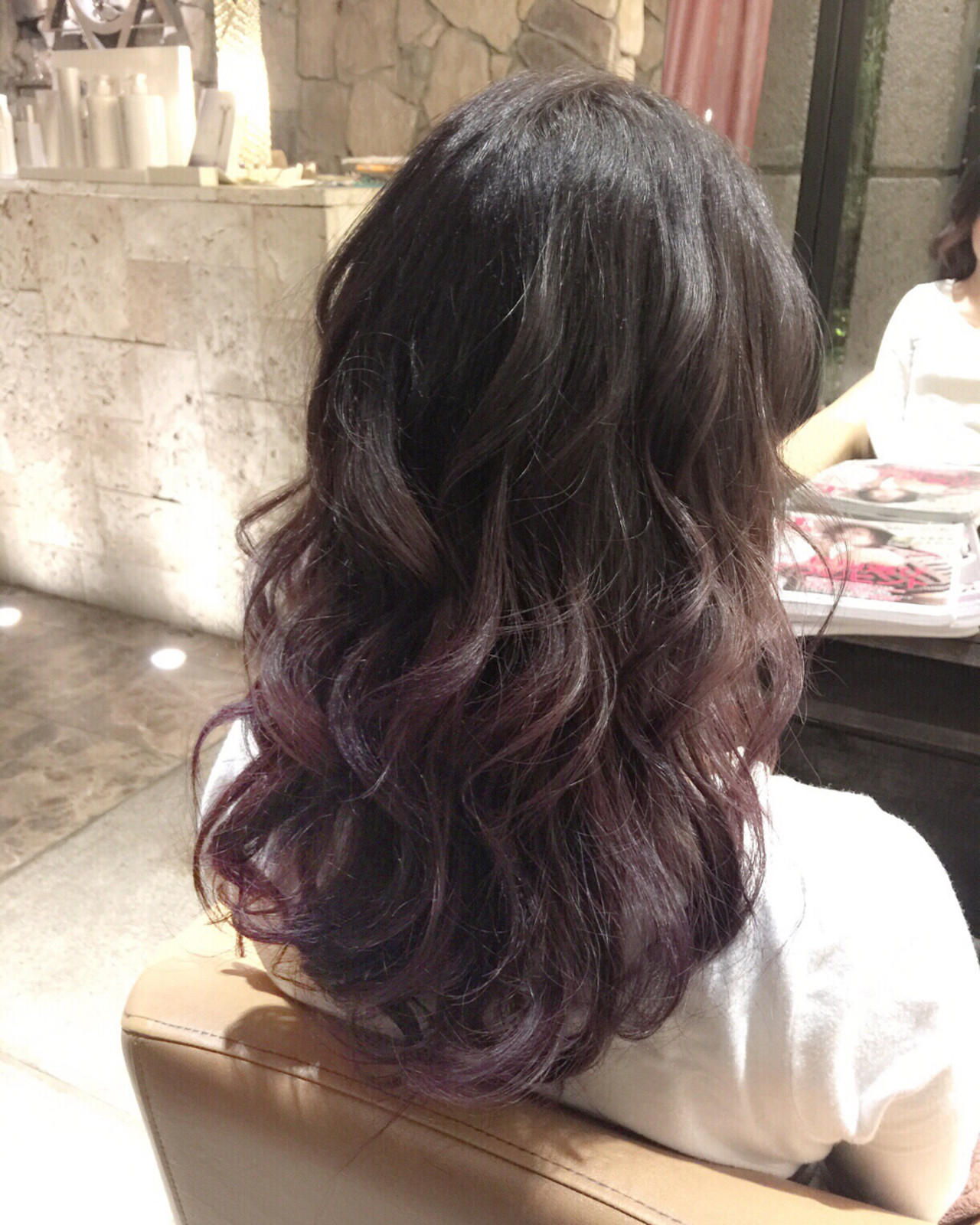 大注目の暗髪×グラデーションまとめ♡ポイントは毛先とハイライト 北嶋 彩乃