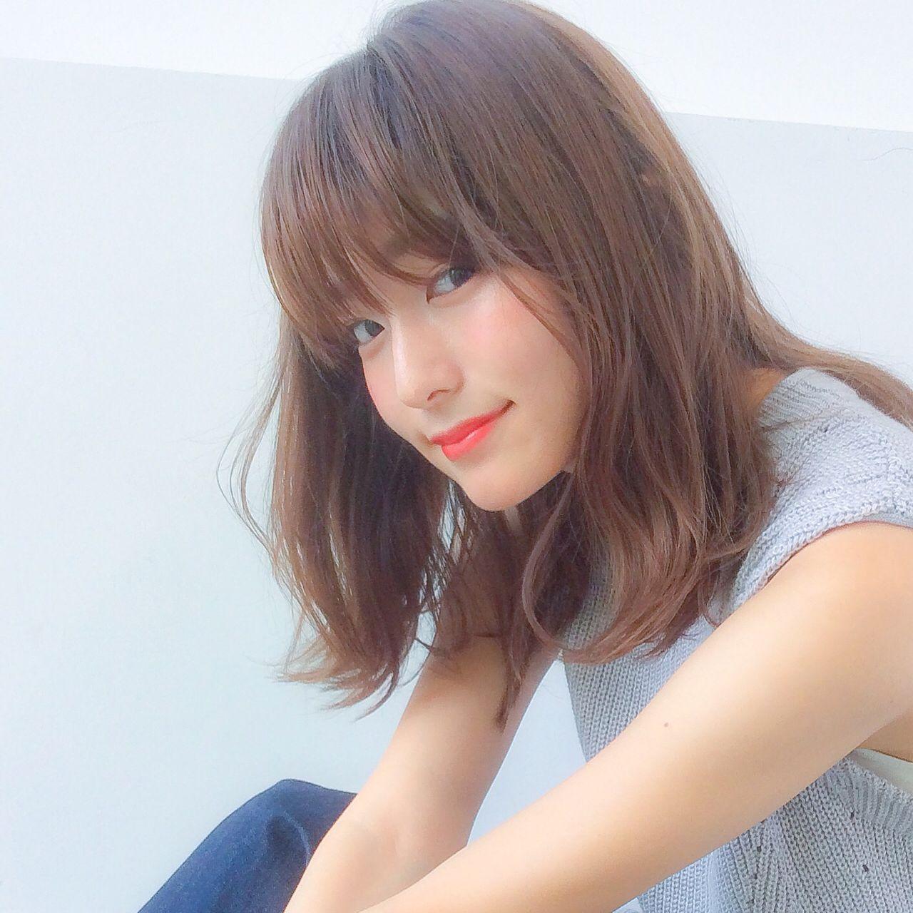 女子のモテる髪型はずばりミディアムレイヤー♡人気のヒケツに迫ります! 細田真吾