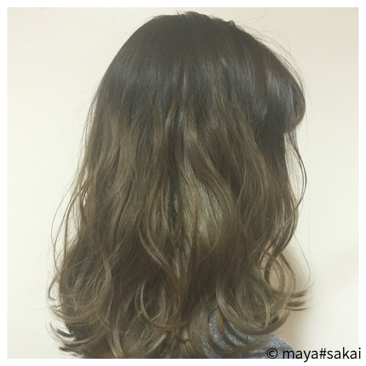 アースカラーを髪色にも。ヘアスタイルもナチュラル可愛く♡ maya#sakai