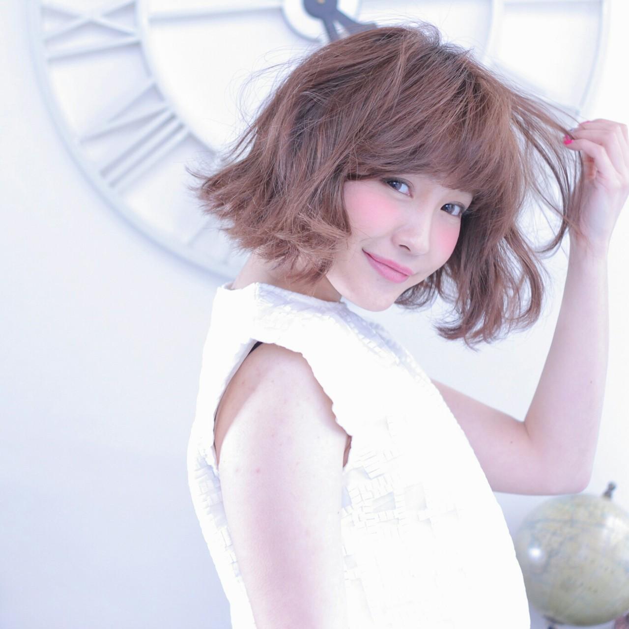 カジュアル切りっぱなしのノームコアスタイルでナチュラル美人 Wataru Maeda