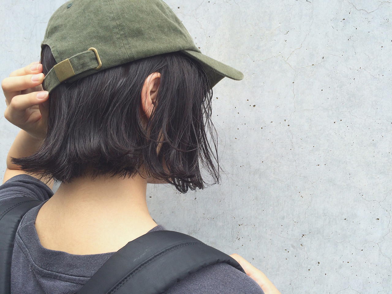 アースカラーを髪色にも。ヘアスタイルもナチュラル可愛く♡ NAOYA KARASAWA