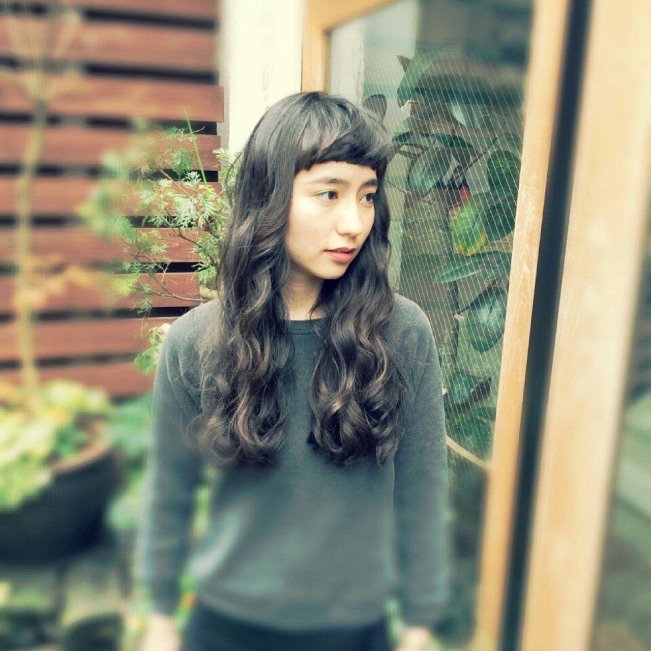黒髪ロング×パーマの髪型まとめ♡面長・丸顔に似合うヘアスタイルって? みさき