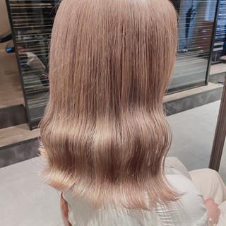 ブラウンベージュ ロング ベージュ ナチュラル ヘアスタイルや髪型の写真・画像