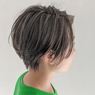 ダブルカラー ミルクティーベージュ ナチュラル ハイライト ヘアスタイルや髪型の写真・画像