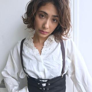 透明感 ミディアム アンニュイほつれヘア アッシュ ヘアスタイルや髪型の写真・画像