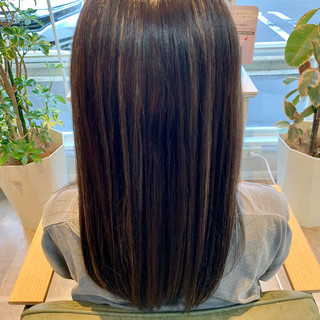 セミロング ホワイトハイライト グレージュ イルミナカラー ヘアスタイルや髪型の写真・画像