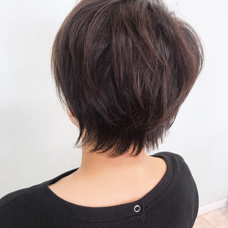 デート スポーツ アウトドア パーマ ヘアスタイルや髪型の写真・画像