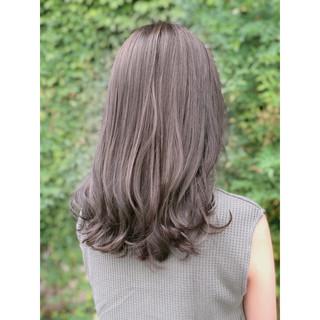 ラベンダー ラベンダーアッシュ フェミニン セミロング ヘアスタイルや髪型の写真・画像