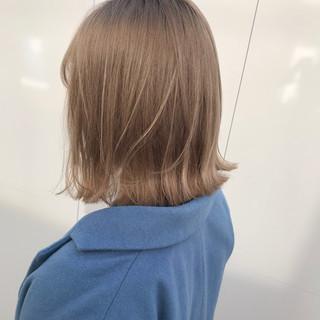 ボブ ナチュラル ミルクティーグレージュ ダブルカラー ヘアスタイルや髪型の写真・画像