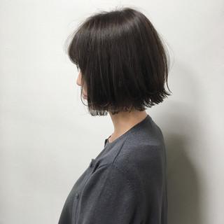 ボブ 外ハネボブ 切りっぱなしボブ 透明感カラー ヘアスタイルや髪型の写真・画像