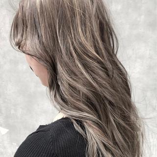 イルミナカラー ヘアアレンジ グラデーションカラー ロング ヘアスタイルや髪型の写真・画像