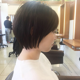 小顔ショート ショートボブ ショート 前下がりショート ヘアスタイルや髪型の写真・画像