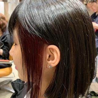 インナーカラーレッド ヘアカラー ガーリー ハイトーンカラー ヘアスタイルや髪型の写真・画像