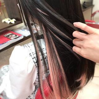 ガーリー ストレート ロング インナーカラー ヘアスタイルや髪型の写真・画像