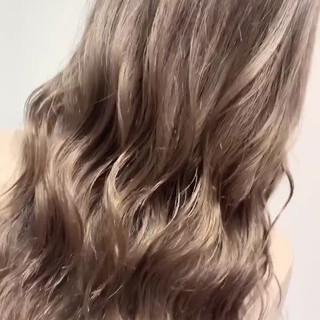 ロング ミルクティーグレージュ 外国人風 グレージュ ヘアスタイルや髪型の写真・画像
