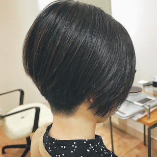 ミニボブ 前下がり 刈り上げ ショートボブ ヘアスタイルや髪型の写真・画像