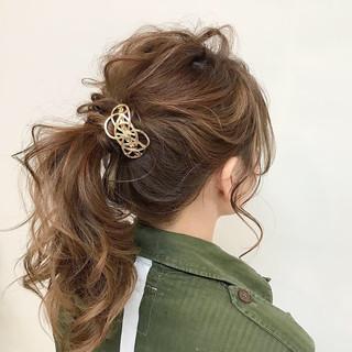 ポニーテールアレンジ ポニーテール セミロング ローポニーテール ヘアスタイルや髪型の写真・画像