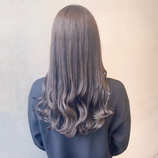 グレージュ ミルクティーベージュ 透明感カラー ナチュラル ヘアスタイルや髪型の写真・画像