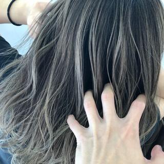 グラデーションカラー ストリート コントラストハイライト ミディアム ヘアスタイルや髪型の写真・画像
