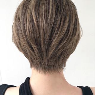 フェミニン ショートヘア グラデーションカラー ショート ヘアスタイルや髪型の写真・画像