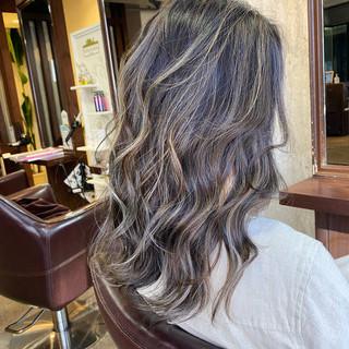 ハイライト セミロング ナチュラル コントラストハイライト ヘアスタイルや髪型の写真・画像
