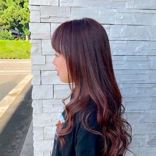 ガーリー ハイライト レッド 女子力 ヘアスタイルや髪型の写真・画像