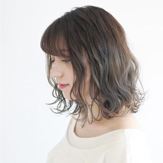 フェミニン ボブ ダブルカラー 外国人風カラー ヘアスタイルや髪型の写真・画像
