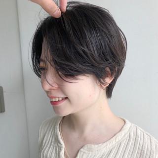 ショート ショートヘア ミニボブ ナチュラル ヘアスタイルや髪型の写真・画像