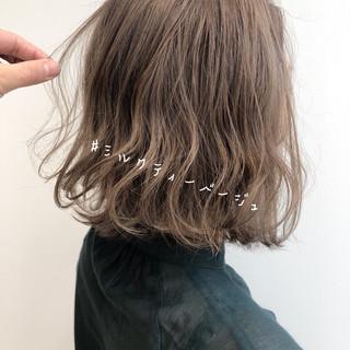 ボブ インナーカラー 切りっぱなしボブ ウルフカット ヘアスタイルや髪型の写真・画像