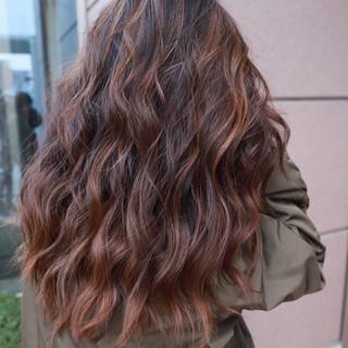 学生 ハイトーン バレイヤージュ ストリート ヘアスタイルや髪型の写真・画像