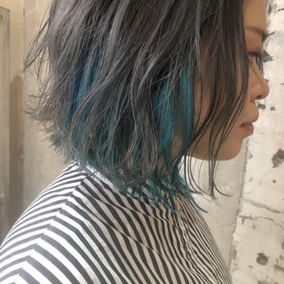 インナーブルー インナーカラー ボブ グレージュ ヘアスタイルや髪型の写真・画像