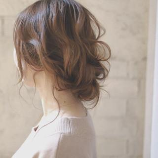 ヘアアレンジ セミロング ピュア パーティ ヘアスタイルや髪型の写真・画像