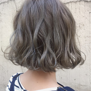 パーマ ミルクティー ナチュラル 外国人風カラー ヘアスタイルや髪型の写真・画像