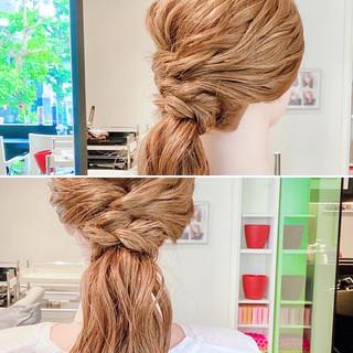 ロング 三つ編み ヘアアレンジ フェミニン ヘアスタイルや髪型の写真・画像