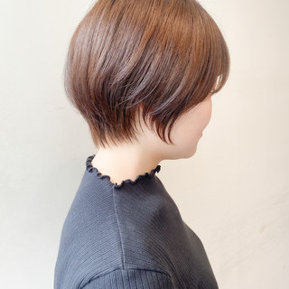 ミルクティー ショート ナチュラル ミルクティーグレージュ ヘアスタイルや髪型の写真・画像