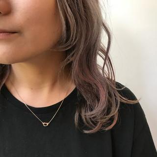 ブリーチ ミディアム ストリート ピンク ヘアスタイルや髪型の写真・画像