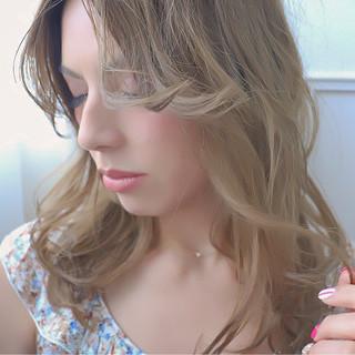 ハイライト 冬 アッシュ 外国人風 ヘアスタイルや髪型の写真・画像