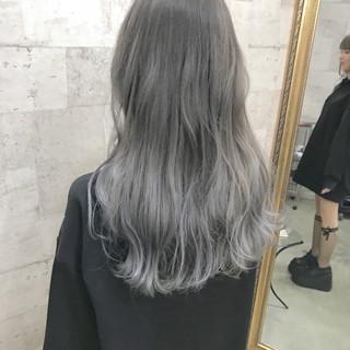 ロング モード ブリーチ ハイトーン ヘアスタイルや髪型の写真・画像