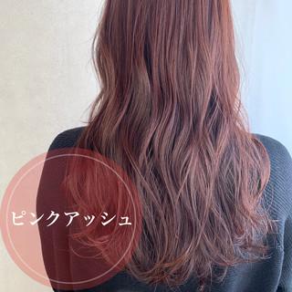 ラベンダーアッシュ ロング ピンクラベンダー フェミニン ヘアスタイルや髪型の写真・画像