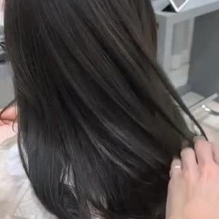 イルミナカラー シースルーバング ロング ナチュラル ヘアスタイルや髪型の写真・画像