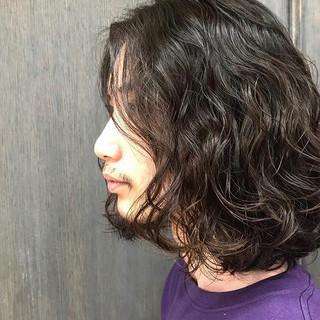 メンズヘア センターパート メンズカジュアル メンズスタイル ヘアスタイルや髪型の写真・画像
