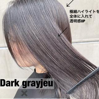 ストリート グラデーションカラー セミロング グレージュ ヘアスタイルや髪型の写真・画像