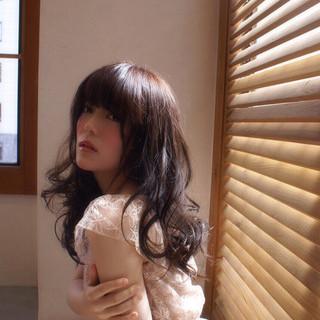 モテ髪 暗髪 ウェーブ コンサバ ヘアスタイルや髪型の写真・画像