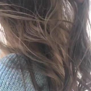アッシュ グレージュ ロング グラデーションカラー ヘアスタイルや髪型の写真・画像