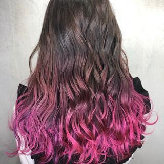 外国人風 インナーカラー ベリーピンク ロング ヘアスタイルや髪型の写真・画像